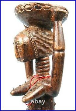 Art Africain Statue Akié Atié -Colliers de Perles & Clous de Tapissier 54 Cms