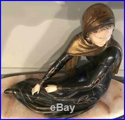 Beau modèle Art déco 1930 Femme voilée style Chryséléphantine sur marbre