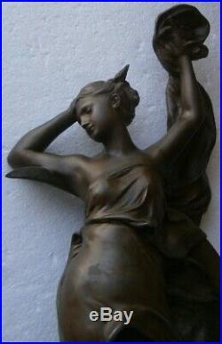 Beautiful Statue Allégorique Art Nouveau en régule La nuit Luca Madrassi Ht 58