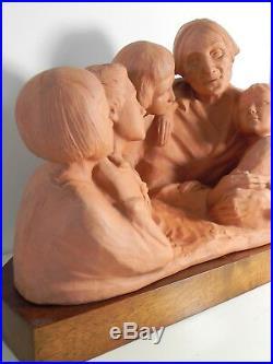Gaston HAUCHECORNE Important groupe en terre cuite FAMILLE BRETONNE art deco