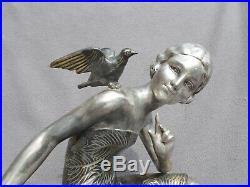 Grosse sculpture femme oiseau art deco URIANO vintage spelter big statue figural