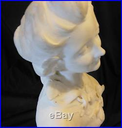 HENRI GODET 1863 -1937 ART NOUVEAU Marbre FEMME AU FLEUR signé GODET