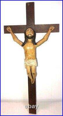 Important Christ sculpté bois art populaire naif XIX polychrome crucifix brut