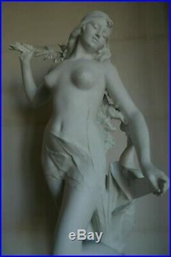 Importante Statue Biscuit Jeune Fille Nue Signee E Drouot Art Nouveau Vers 1900