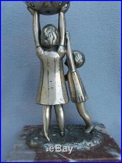 Lampe veilleuse art deco 1930 sculpture enfant dlg KELETY statuette lamp statue