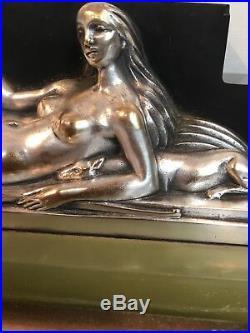 Pendule Art Deco Montée Dune Sculpture Bronze Argenté Femme Aux Lévriers