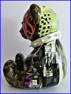 Pop Art-Bear-Rabbit-Balloon dog-Sculpture-Chanel-Street Art-Koons-Warhol-Banksy