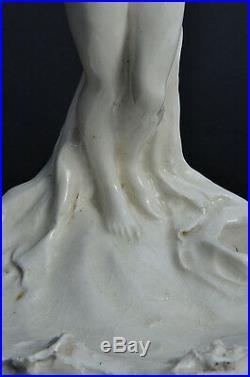 Sculpture Art Nouveau Signée Biscuit porcelaine Jugendstil statue Nude Woman