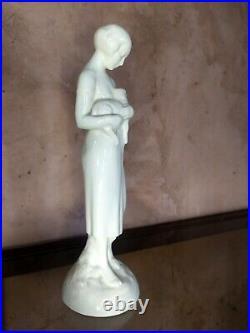 Sculpture Statue Femme et agneau faience craquelé signé Sarreguemines Art Déco