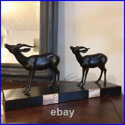 Sculpture Statue, art deco 1930, animaliére, gazelle Sur Terrasse Marbre