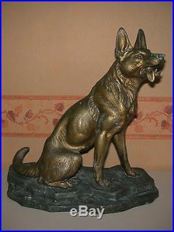 Sculpture statue animalière fonte d'art / Loup de Louis Albert Carvin H = 35 cm