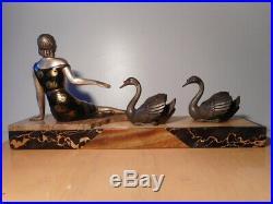 Sculpture statue régule art déco femme cygne socle marbre