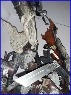 Sephiroth et cloud statue final fantasy 7 sculpture art square enix