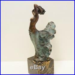 Statue Danseuse Nue Style Art Deco Style Art Nouveau Bronze massif Signe