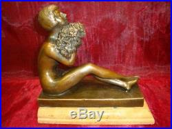 Statue Demoiselle Nue Sexy Style Art Deco Style Art Nouveau Bronze massif