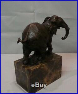 Statue Elephant Animalier Style Art Deco Style Art Nouveau Bronze massif