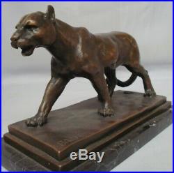 Statue Lion Lionne Style Art Deco Style Art Nouveau Bronze massif Signe