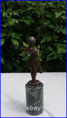 Statue Pecheuse Style Art Deco Style Art Nouveau Bronze massif Signe