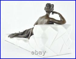Statue Sculpture Demoiselle Sexy Style Art Deco Bronze massif Signe