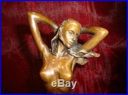 Statue Sexy L'eveil Style Art Deco Style Art Nouveau Bronze massif Signe