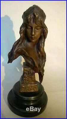 Statuette bohémienne en Bronze Style Art Déco signée